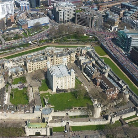 an overview of the royal house of tutor in england and its place in british history The tudors were a welsh-english family that ruled england from 1485 to 1603 henry tudor was the son of margaret beaufort, who was descended from king edward iii through an illegitimate line, and edmund tudor, the son of princess catherine of valois and her second husband, owen tudor through.